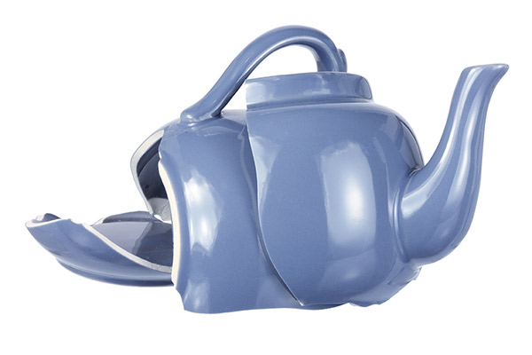 Blue broken kettle.